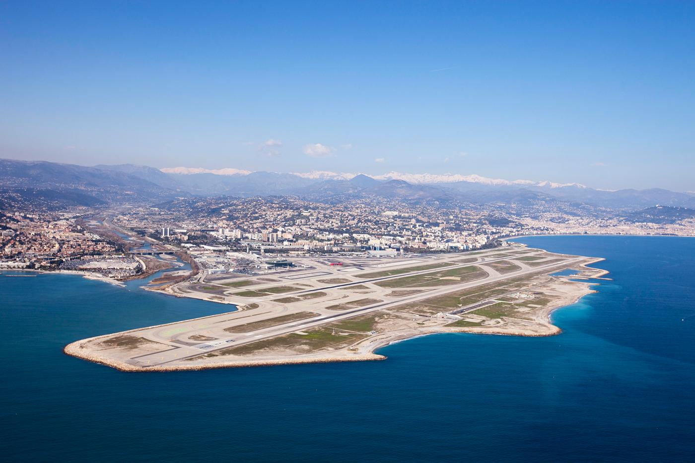 Vue-Aerienne-Aeroport-Nice
