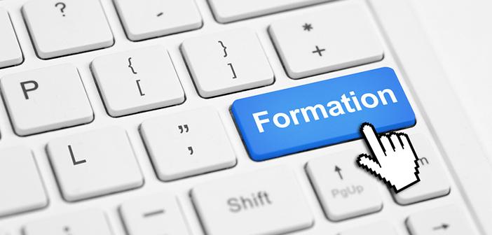 L'action de formation - clavier d'ordinateur avec bouton formation